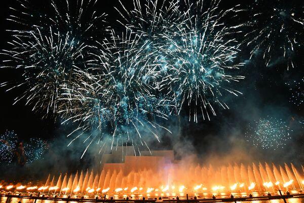 Lễ khai mạc Festival Quốc tế Matxcơva  Vòng tròn  ánh sáng tại Nhà hát Bolshoi ở Matxcơva - Sputnik Việt Nam