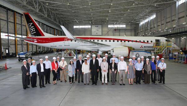 Gov. Inslee toured the Mitsubishi Regional Jet (MRJ) Factory in Japan - Sputnik Việt Nam