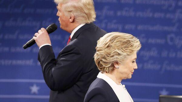 Cuộc tranh luận thứ hai giữa Donald Trump và Hillary Clinton - Sputnik Việt Nam