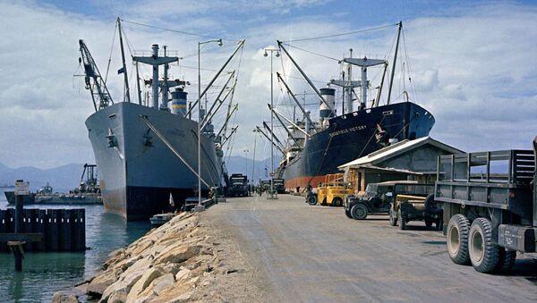 Những tàu Mỹ ở Cam Ranh - Sputnik Việt Nam