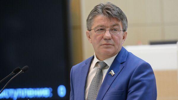 Người đứng đầu Ủy ban quốc phòng thuộc Hội đồng Liên bang Viktor Ozerov - Sputnik Việt Nam