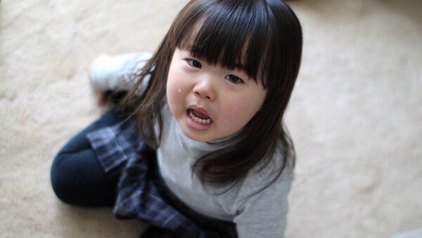 Bé gái đang khóc - Sputnik Việt Nam