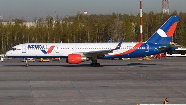 Azur Air, VQ-BKB, Boeing 757-2Q8 - Sputnik Việt Nam