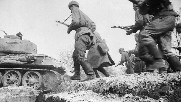 Những người lính xung phong ra trận - Sputnik Việt Nam