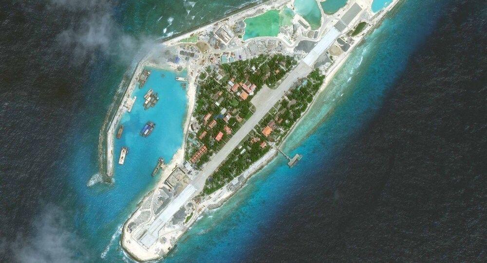 Ảnh chụp từ vệ tinh một hòn đảo trong quần đảo Trường Sa trên Biển Đông