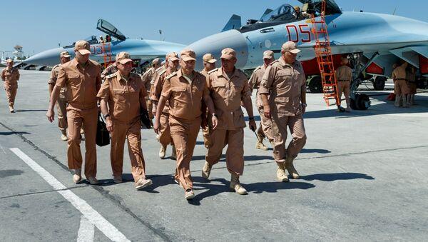 Рабочая поездка министра обороны РФ Сергея Шойгу в Сирию - Sputnik Việt Nam