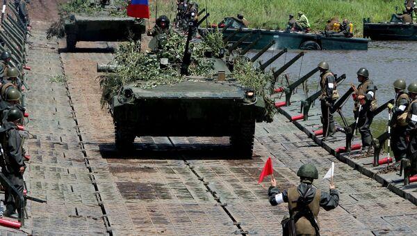 Kiểm tra sự sẵn sàng của các đơn vị Quân khu miền Đông - Sputnik Việt Nam