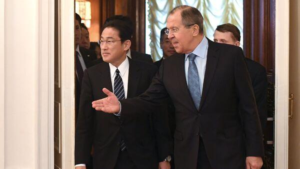 Глава МИД РФ С. Лавров встретился с главой МИД Японии Ф. Кисидой - Sputnik Việt Nam