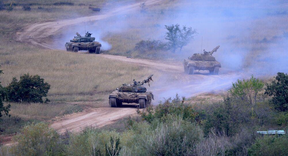 xe tang T-72