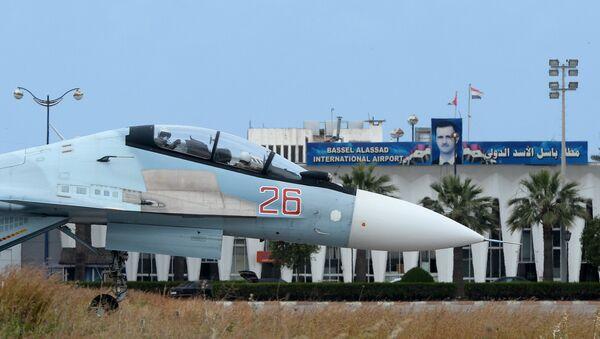Máy bay Nga tại sân bay Hmeymim ở Syria - Sputnik Việt Nam