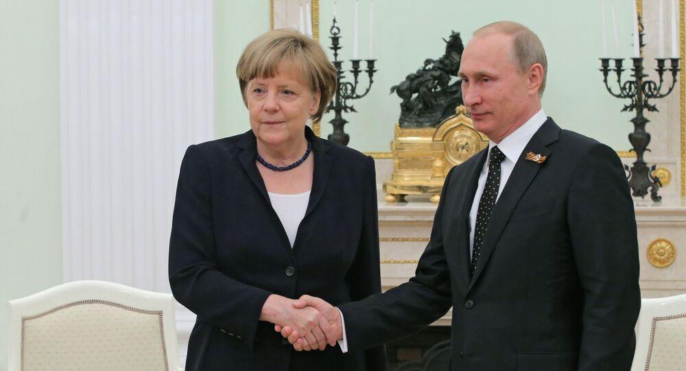Tổng thống Nga Vladimir Putin và Thủ tướng Đức Angela Merkel