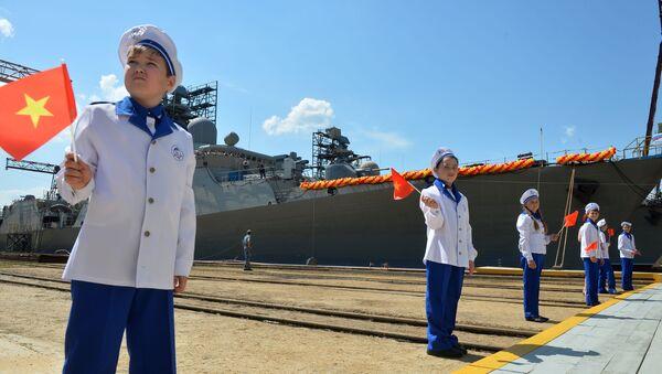 Nghi lễ hạ thủy khu trục hạm thứ hai thuộc đề án Gepard 3.9, thiết kế dành cho Hải quân Việt Nam, tại  Nhà máy đóng tàu Zelenodolsk mang tên A.M. Gorky - Sputnik Việt Nam