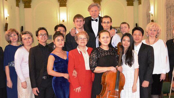 Ngày 20 tháng 12, tại hội trường Đại học tổng hợp quốc gia Kursk đã tổ chức buổi hòa nhạc của Khoa biểu diễn nhạc cụ. - Sputnik Việt Nam