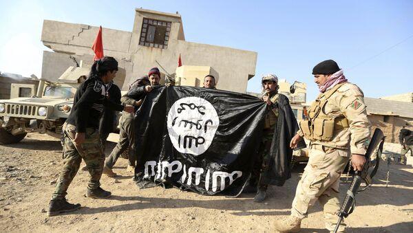 Tại Mosul chiếm trụ sở của chiến binh IS  - Sputnik Việt Nam