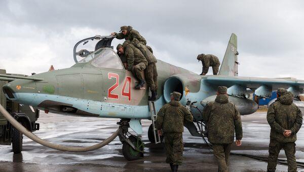 Máy bay Nga Su-25 tại phi trường Hmeymim ở Syria - Sputnik Việt Nam