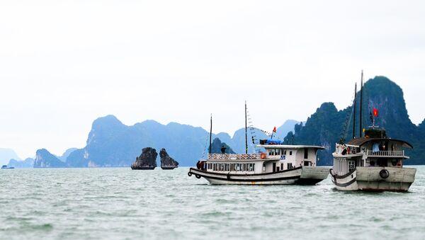 Бухта Халонг во Вьетнаме - Sputnik Việt Nam