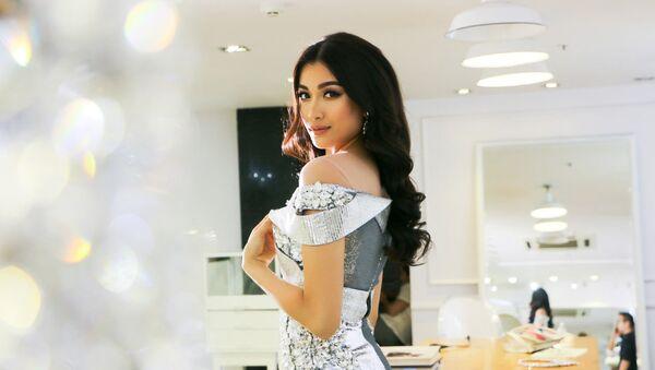 Lệ Hằng mang 'tác phẩm' của NTK Chung Thanh Phong đến Miss Universe 2016 - Sputnik Việt Nam
