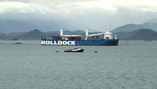 Tàu Rolldock Storm chở tàu ngầm Bà Rịa - Vũng Tàu đã về tới vịnh Cam Ranh - Sputnik Việt Nam