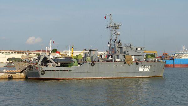 Тральщик вьетнамских ВМС HQ-862 - Sputnik Việt Nam
