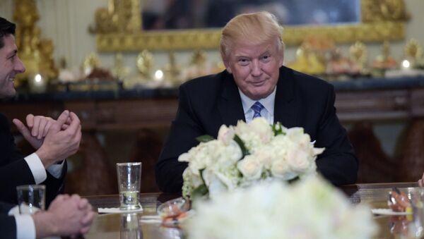 Trump sửa soạn ký lệnh về người tị nạn từ Trung Đông? - Sputnik Việt Nam