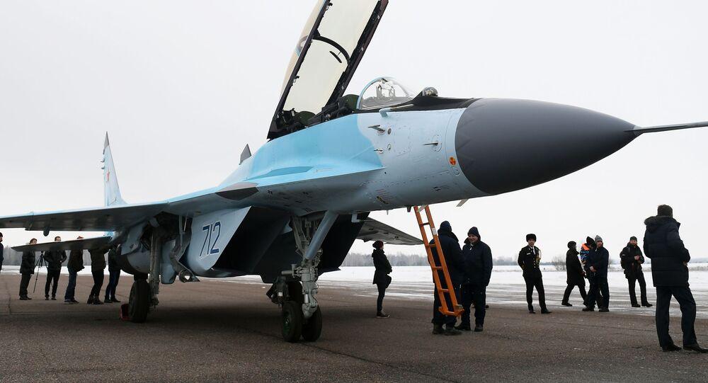 Máy bay MiG-35