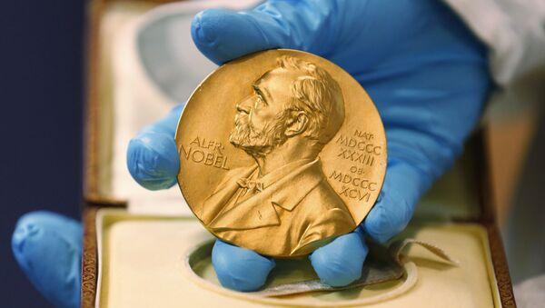 huy chương được trao cho người chiến thắng giải thưởng Nobel - Sputnik Việt Nam