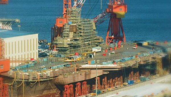 Tàu Shandong được đóng tại cảng Đại Liên - Sputnik Việt Nam