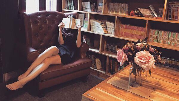 cô gai Việt Nam tại thư viện - Sputnik Việt Nam
