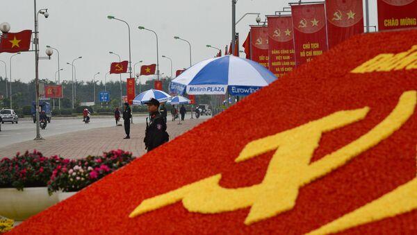 Cảnh sát đặc nhiệm trên đường phố của Hà Nội trước Đại hội 12 Đảng Cộng sản Việt Nam - Sputnik Việt Nam