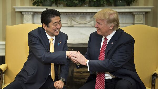 Tổng thống Trump và Thủ tướng Abe - Sputnik Việt Nam