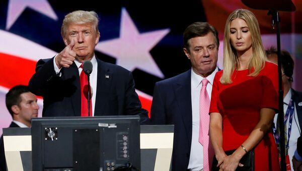 Donald Trump, Paul Manafort và Ivanka Trump - Sputnik Việt Nam