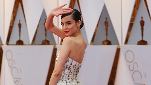 Khách mời tham dự lễ trao giải Oscar -2017  trên thảm đỏ. - Sputnik Việt Nam