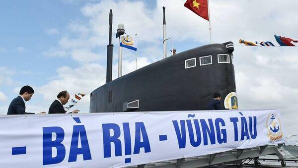 Thủ tướng Nguyễn Xuân Phúc dự lễ thượng cờ 2 tàu ngầm Kilo - Sputnik Việt Nam