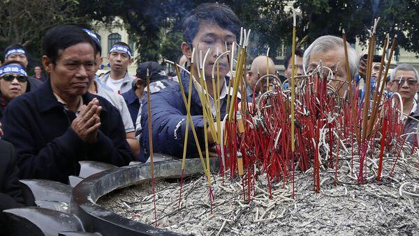 Vào những ngày kỷ niệm chiến tranh biên giới 1979  chính quyền đã bắt giữ một số người cố gắng tổ chức những hoạt động tôn vinh các liệt sĩ tại Hà Nội. - Sputnik Việt Nam