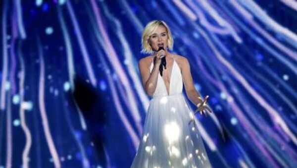 Ca sĩ Nga Polina Gagarina xuất hiện ở vòng bán kết Eurovision -2015 ở Vienna. - Sputnik Việt Nam