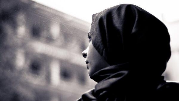 Cô gái trùm khăn hijab - Sputnik Việt Nam