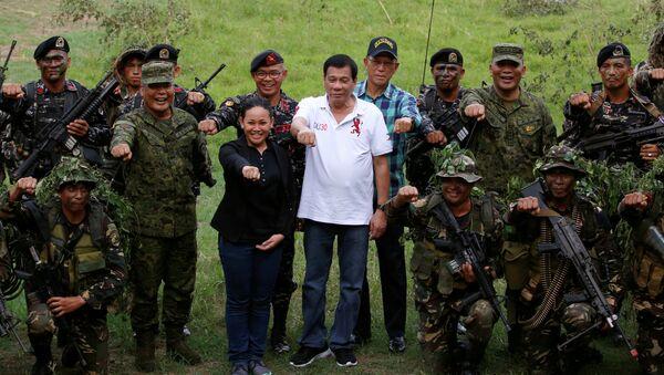 Rodrigo Duterte và quân đội Philippines - Sputnik Việt Nam