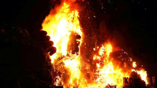 Cháy khủng khiếp sân khấu bom tấn 'Kong: Skull Island' ở Sài Gòn - Sputnik Việt Nam