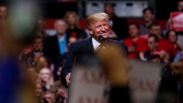 Tổng thống Donald Trump phát biểu tại Nashville, bang Tennessee. - Sputnik Việt Nam