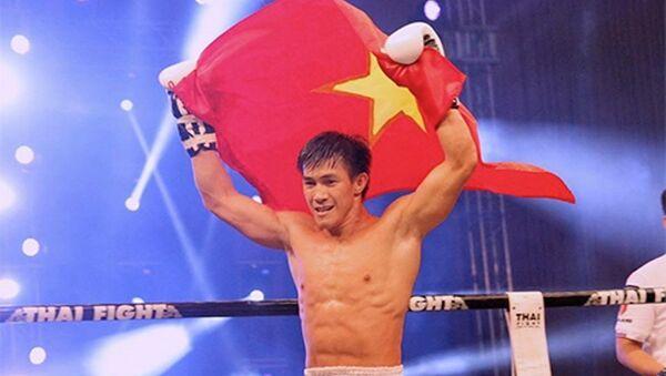 Duy Nhất mừng chiến thắng trên võ đài Liên hoan Muay thế giới - Sputnik Việt Nam