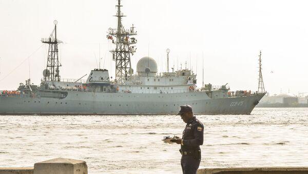 Tàu trinh sát điện tử Victor Leonov - Sputnik Việt Nam