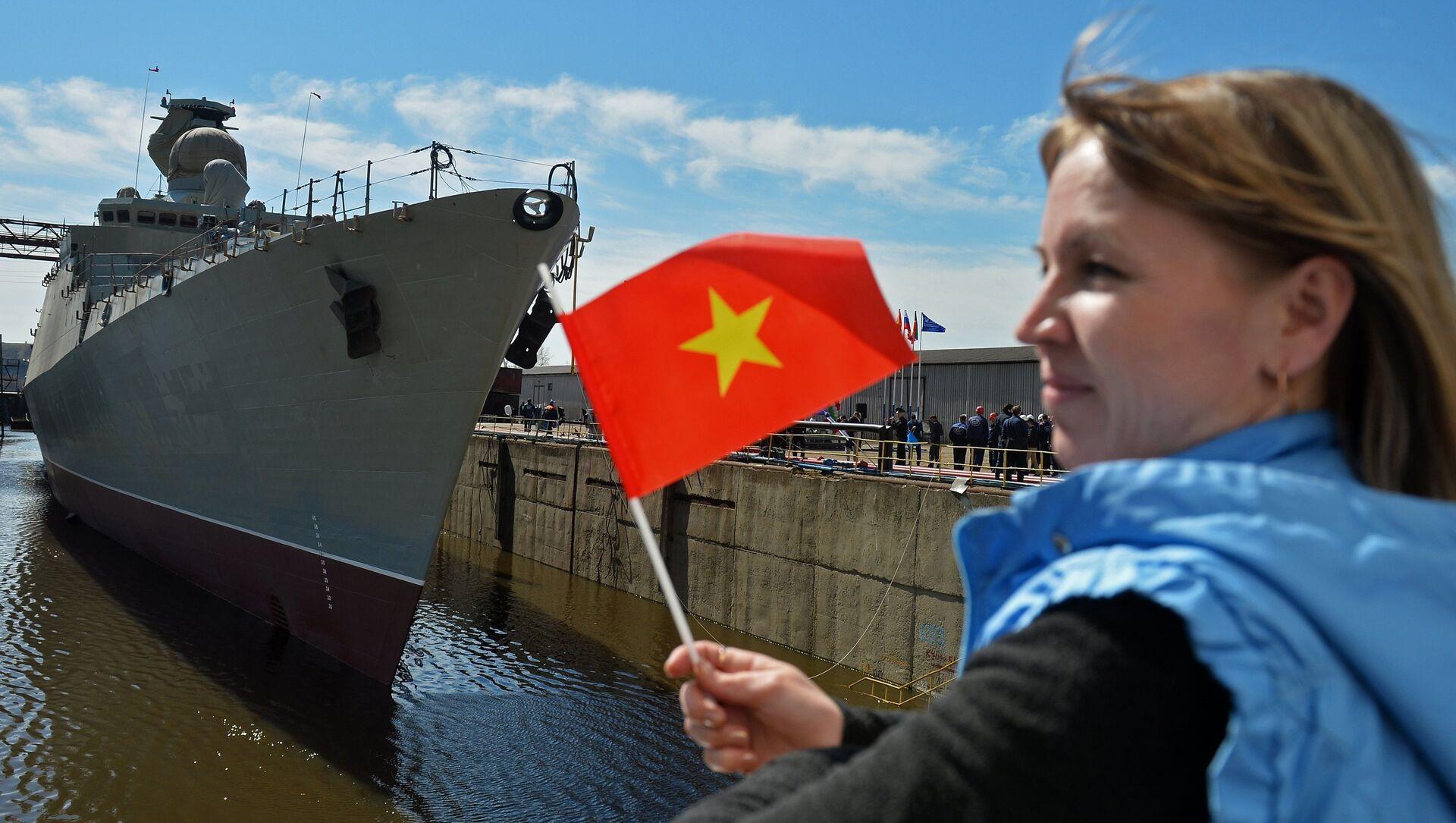 Nghi lễ hạ thủy khu trục hạm Gepard-3.9 ở Zelenodolsk - Sputnik Việt Nam, 1920, 04.09.2021