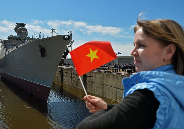 Nghi lễ hạ thủy khu trục hạm Gepard-3.9 ở Zelenodolsk