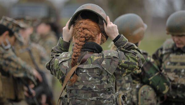 Romania. Tập trận chung của các nữ quân nhân Romania và Hoa Kỳ. - Sputnik Việt Nam
