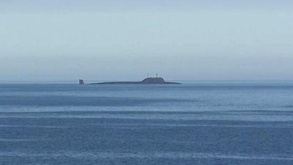 Атомная подводная лодка Северного флота Северодвинск в акватории Баренцева моря перед пуском крылатой ракеты Калибр - Sputnik Việt Nam