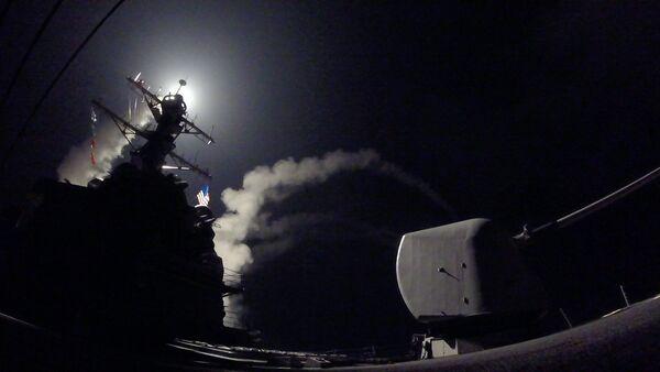 Mỹ tấn công căn cứ quân đội Syria bằng 50 tên lửa Tomahawk - Sputnik Việt Nam