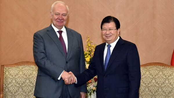 Đại sứ Nga tại Việt Nam gặp Phó Thủ tướng Trịnh Đình Dũng - Sputnik Việt Nam