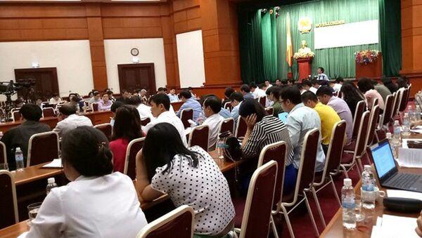 Rất đông phóng viên báo chí tham dự phiên họp báo chiều nay của Bộ Tài chính - Sputnik Việt Nam