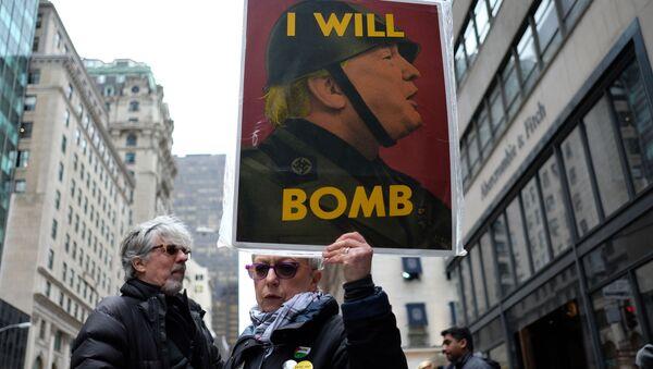 Các cuộc biểu tình chống lại cuộc tấn công tên lửa Syria - Sputnik Việt Nam