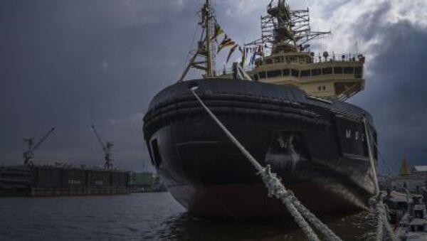 Tàu phá băng Moskva tại lễ hội tàu phá băng ở St. Petersburg - Sputnik Việt Nam